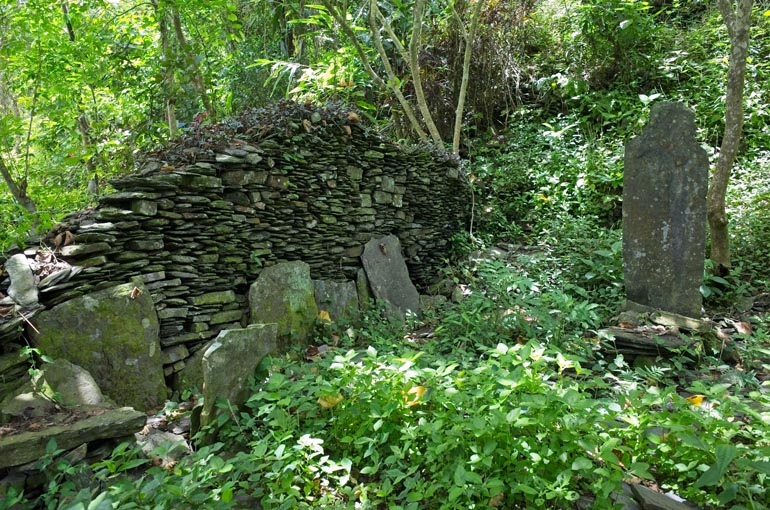 Stacked rock foundation wall